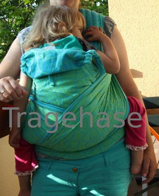 Fidella Flytai (mit Toddler aufgefächert gebunden)