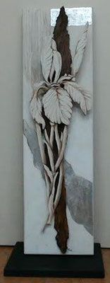 scultura a rilievo: legno materiali naturali sabbie malte foglia argento intaglio 32x108