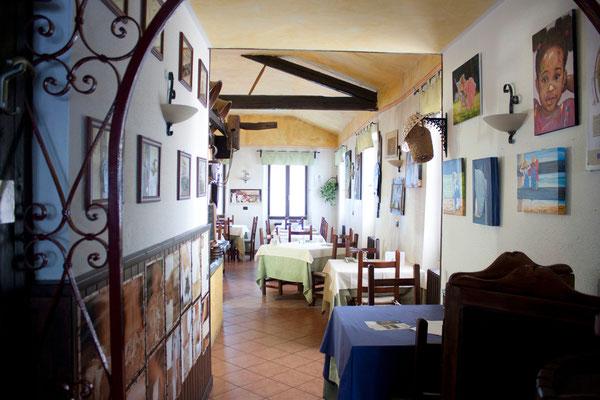 i miei quadri esposti al ristorante La Cascina di Arona