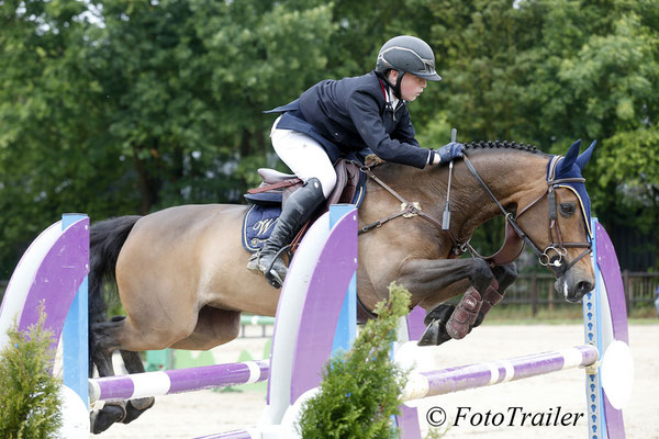 s15 Max Wachman en Diamond winnen 1.25m Pony Small Tour