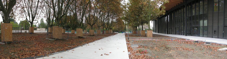 Phase de la réalisation du parvis béton de la Halle