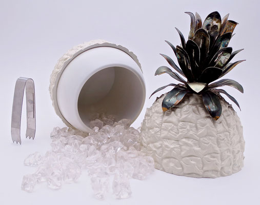 icebucket glamorous sophisticated hollywoodstyle pineapple designclassics  interior festlich festtafel dinnerparty stylist