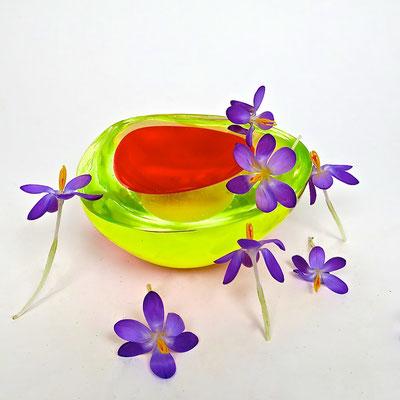 Krokus Frühling trendfarbe2018 neon trendfarben murano mouthblown interior kaufmuseum bowl schale frühling springcollection geschenke