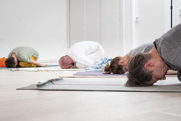 Yogastunde im Kundalini Yoga Zentrum BLISS Hannover