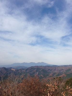 赤城山。まだハッキリした雪化粧はみえないですね