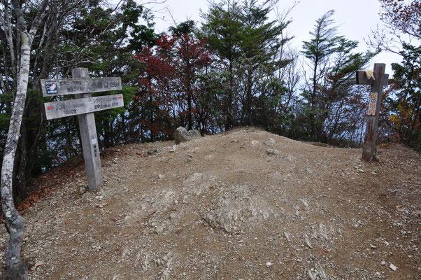 小持山山頂(全体)