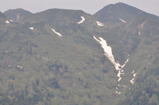 ナデッ窪の残雪
