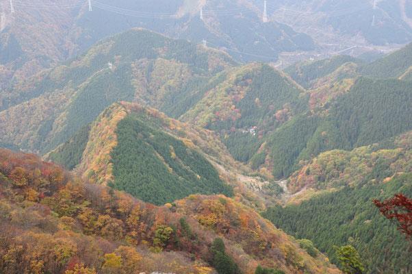 ビュースポット「大持山の雨乞岩」からの眺め①