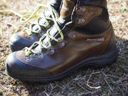 ぴかぴかの靴で歩き始めるのは気持ちいいです~♬