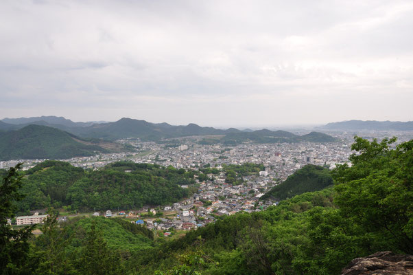トンビ岩からの桐生市街地の眺め