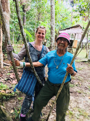 Don Agustin & Shanti  Dschungelspaziergang