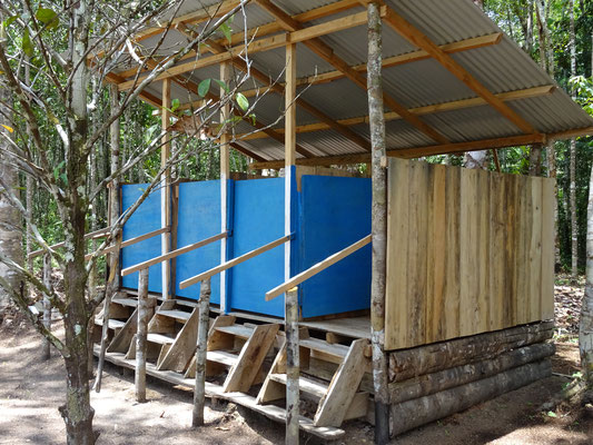 Kompost WC im Camp Charapamama