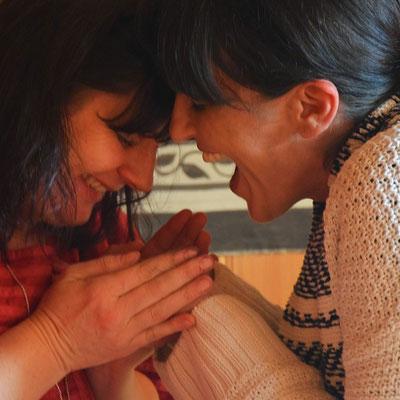 Shanti & Teilnehmerin  bei Shantiwoman  Caapiruna- Zeremonie