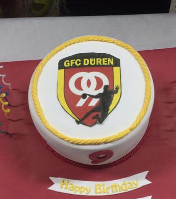 Torte mit Logo - so wird bei uns gefeiert