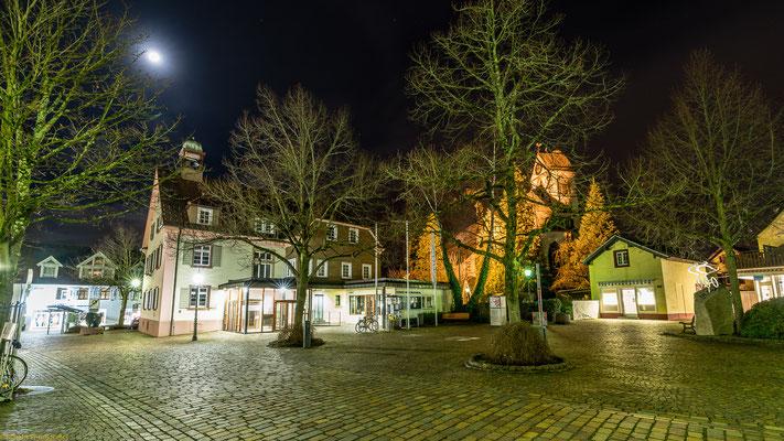 """Blick auf das """"alte Rathaus"""""""