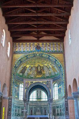 Altar der Euphrasius Basilika