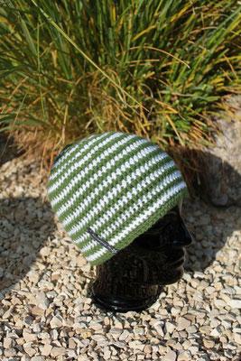 Mütze-Beanie-khaki/weiss