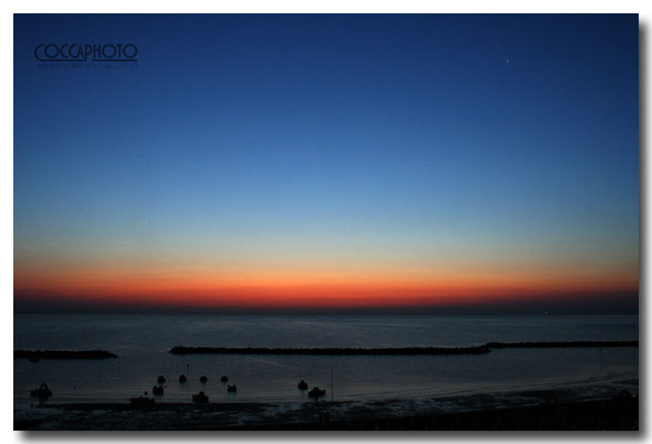 Canon eos 350D - f/13-0.8sec-iso400-21mm