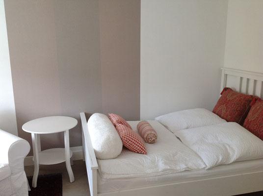 Bett 1,40 x 2,00 im 2. Schlafzimmer