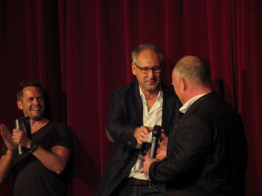 Felix Hotz (Kikeriki Theater) begrüßte Rüdiger Fritsch (Präsident SV98) und Axel Dohmann (PEAK)