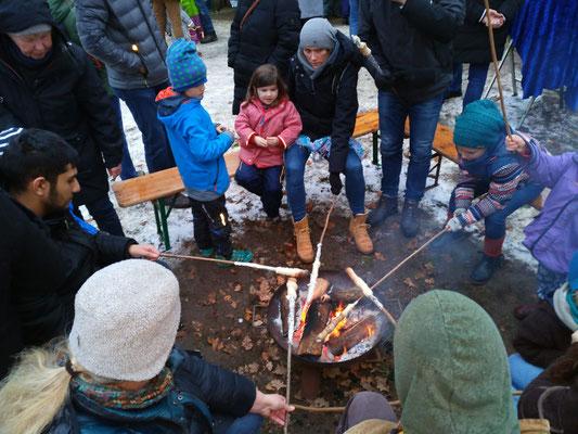 Schnee und Feuer - nicht nur für die Kleinen heute eine attraktive Kombination
