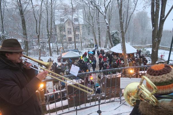 Weihnachtliches Anblasen vom Ludwigsturm