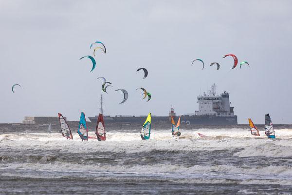 Wijk aan Zee surfing 6 Bft