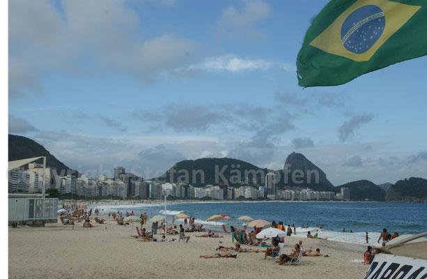 Ein sonniger Tag an der legendären Copacabana