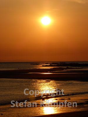 Traumhafter Sonnenuntergang am Strand von Santa Catalina