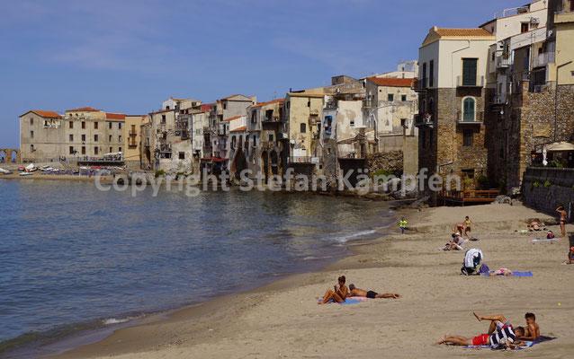 Mittelalter trifft auf das Meer in Cefalù