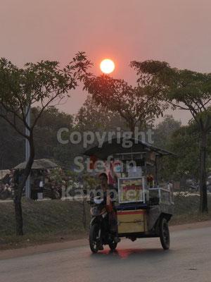 Typisches Abend-Bild auf den Strassen Siem Reaps