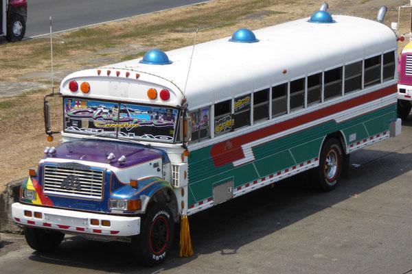 Der »Chicken« Bus in seiner ganzen Pracht