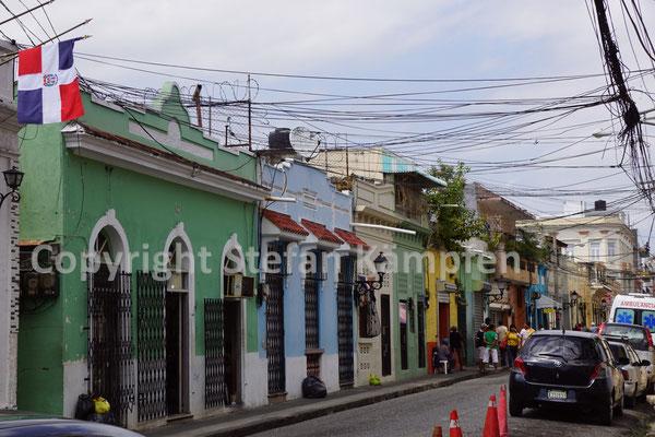 Ein typischer Strassenzug in der Altstadt von Santo Domingo