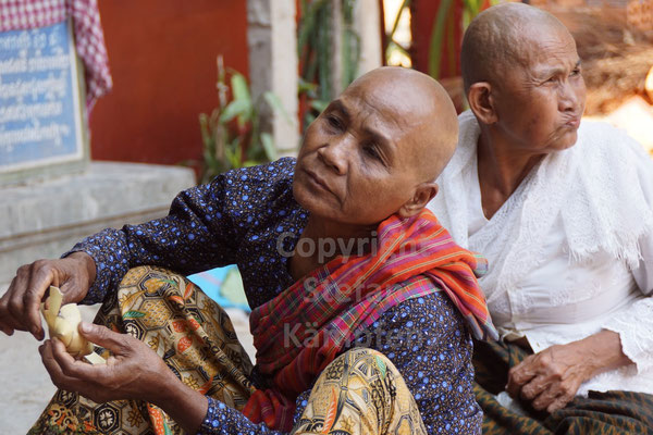 Kambodscha: Ein Land in Schräglage