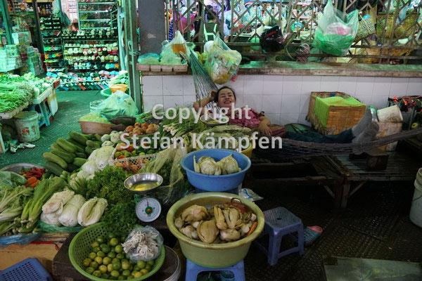Auf dem Zentralmarkt in Phnom Penh gibt es reichlich Gemüse