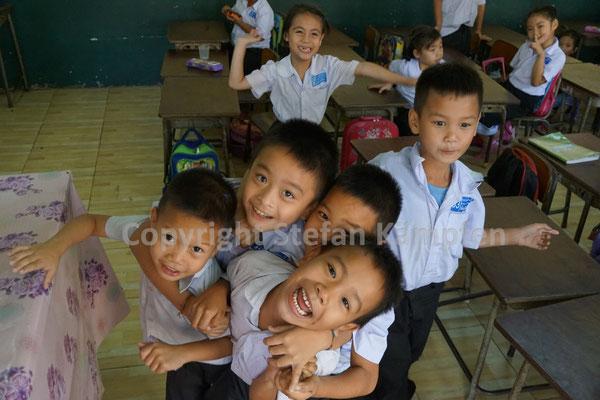 Schulkinder in Vientiane