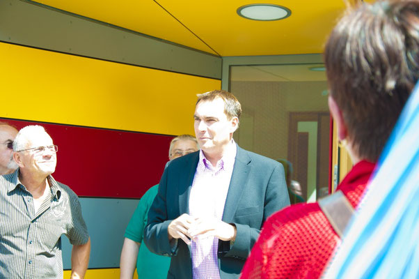 Bürgermeister Holzner mit einigen Erläuterungen...