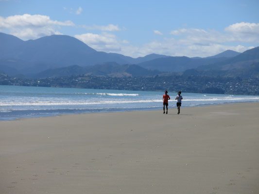 Rabbit Island 引き潮時は広大な砂浜スペースで走るもの快適