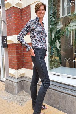 Blouse van  broek vanChiarico en broek van CMK (leatherlook)