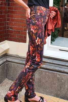 Broek LIZA Autumn flowers van CMK.