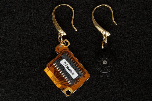 Ohrstecker mit Elektronikbauteilen € 19,50