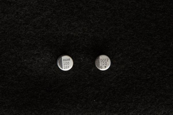 Edelstahlohrstecker mit Elektronikbauteilen € 19,50