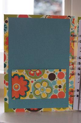Vorne gibt´s eine Tasche, um Zettel zu verstauen - Patricia Stich 2016