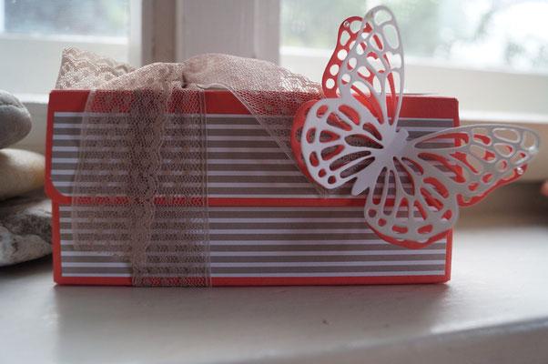 Box mit dem Punch Board für Geschenktüten - Patricia Stich 2015