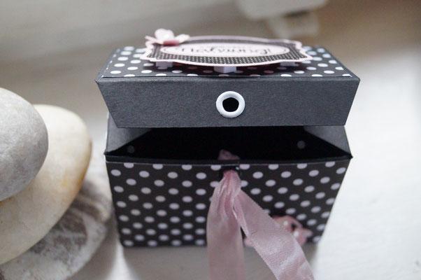 Schwarze Box, Nervennahrung - Patricia Stich 2015