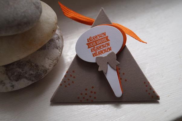 Dreieckige kleine Verpackung - Patricia Stich 2015