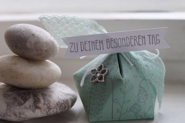 Kleine Verpackung in minzmakrone - Patricia Stich 2016