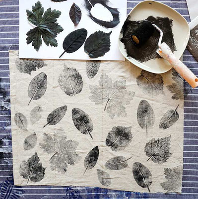 Stoff mit Blättern bedrucken (develloppa)