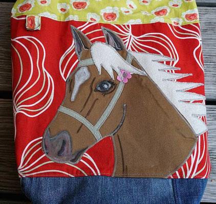 das Pferd heißt übrigens Santana