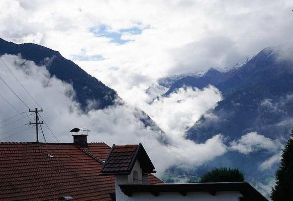Die Wolken hängen tief